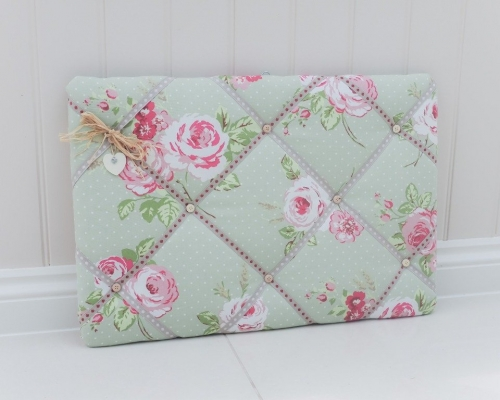 Custom fabric memo boards, send in your own fabric for us to use creating something truly bespoke to you. Fabric notice boards available in 30 x 45cm, 40 x 60cm and 60 x 90cm Lilymae Designs