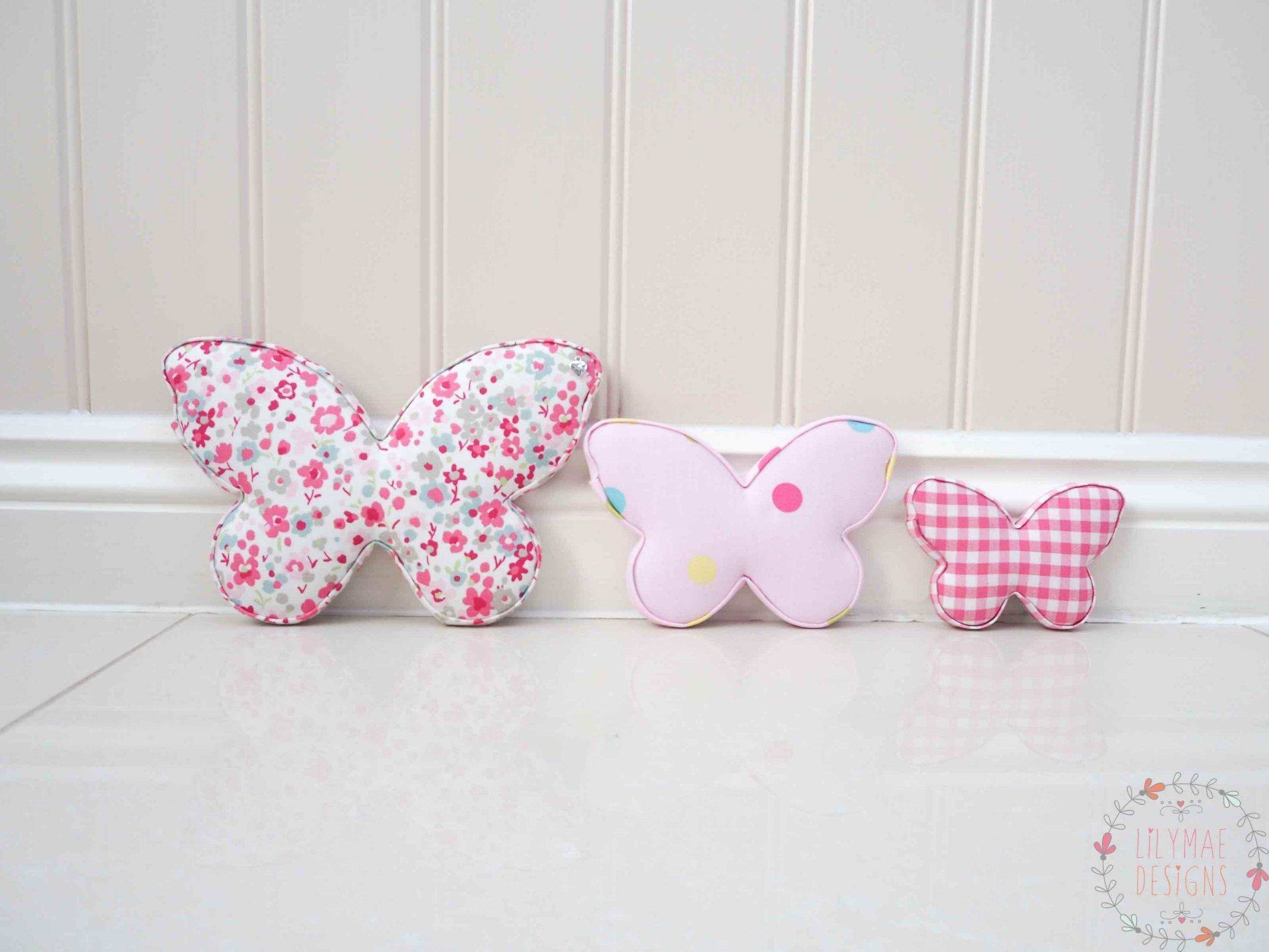 Butterflies Confetti Raspberry, Multi spot pink raspberry gingham